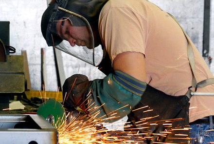 Utah Manufacturing Business Grows in August, Declines Everywhere Else